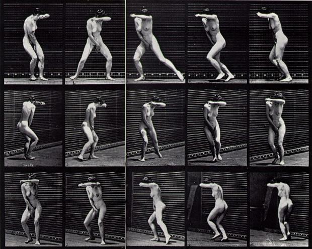 אישה-בתנועה. צילום של אדוארד מייברידג'.