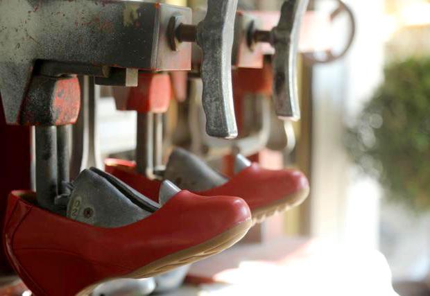 צילום בעומק שדה סלקטיבי נעליים