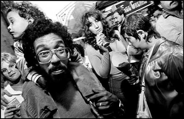 Bruce Gilden-1984-USA-New-York-City