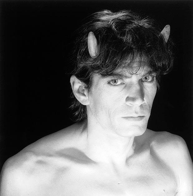 רוברט מייפלת'ורפ, 1985 self-portrait