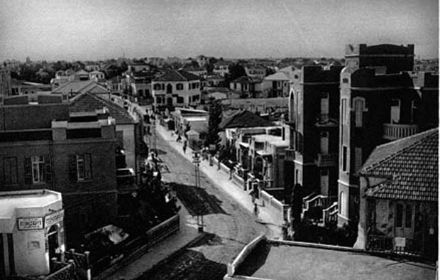 רחוב-נחלת-בניימין-צילום-אברהם-סוסקין' 1926