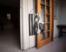 תמונה-של-ילדה-עם-ילקוט-מיה-אלרון--קורס-השפה-הצילומית