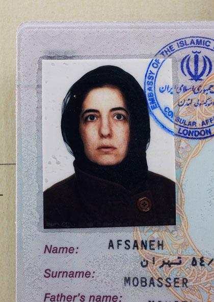 Afsaneh,-age-39_-Iranian-Pa