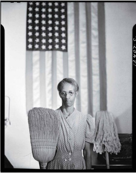 American Gothic. Gordon Parks, 1942.