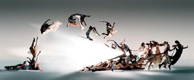 ניק נייט, Blade-of-Light,-Alexander-McQueen,-2004