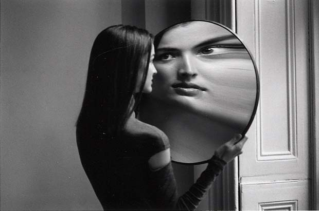 DUANE-MICHALS.-Dr-Heisenbergs-Magic-Mirror-of-Uncertainty-1998-3-
