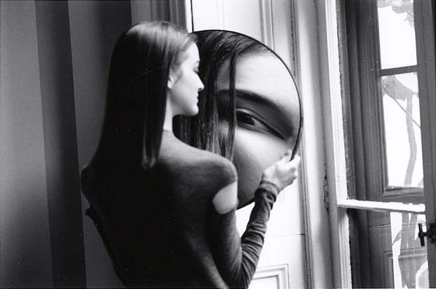 DUANE-MICHALS.-Dr-Heisenbergs-Magic-Mirror-of-Uncertainty-1998-4