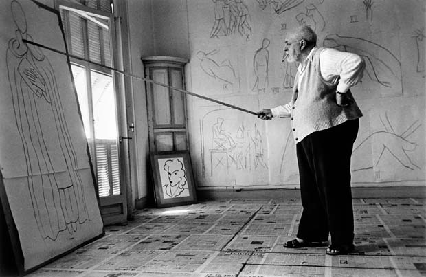 FRANCE.-Nice.-August-1949.-Henri-MATISSE-in-his-studio,