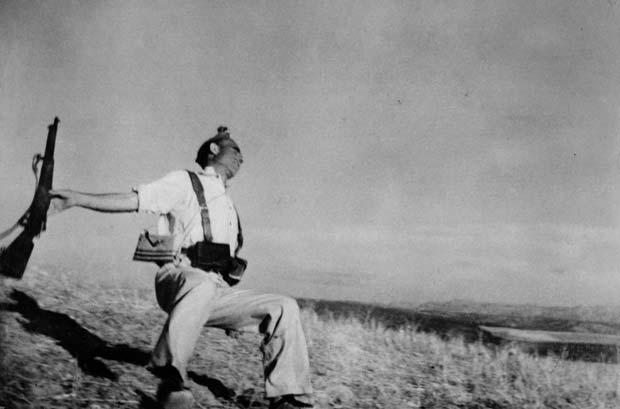 SPAIN-1936.-Death-of-a-loyalist-militiaman.