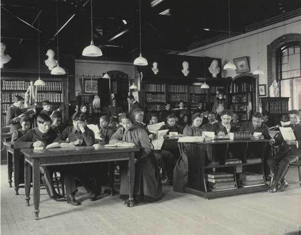 מאמר על הצלמת מרגרט פרנסיס ג'ונסטון - לומדים  אנגלית בספריה,1899-1900