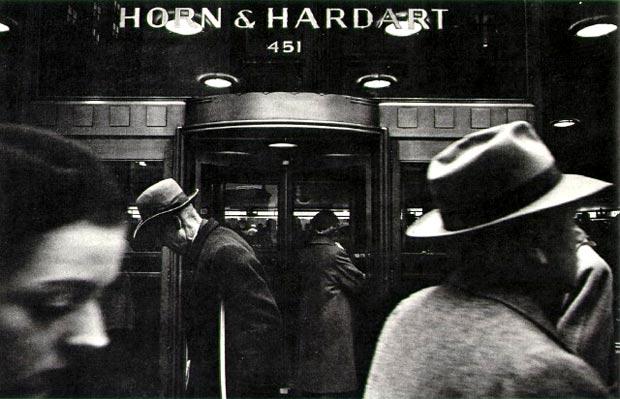 צילום של וויליאם קליין, אנשים ברחוב בניו יורק